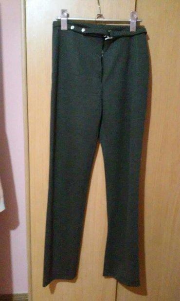 Maskirne pantalone - Vrnjacka Banja: Prelepe,klasicne sive pantalone,uvek moderne,materijal rastegljiv pa