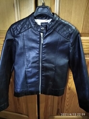 Продаю Коженную Куртку Terranova kids для девочек на 8-9 лет рост