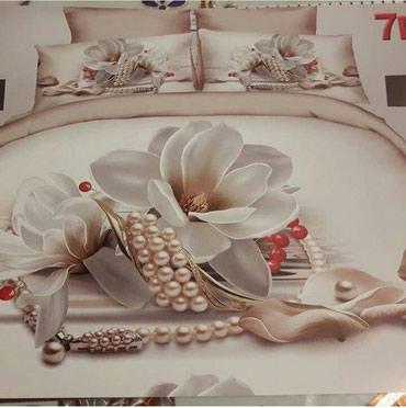 Bakı şəhərində Turkiye istehsalı parcalardan tikilmiş yataq destleri renginin