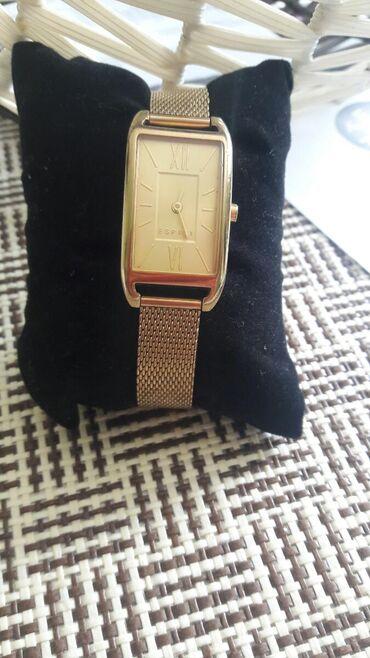 Prodajem orig Espritov sat. Placen je 13500 prosle god. Bez ikakve