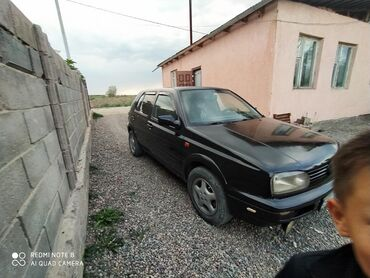 volkswagen 1 в Ак-Джол: Volkswagen Golf 1.8 л. 1993 | 88888 км