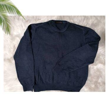 Trussardi Jeans dzemper, ide lepo u kombinaciji sa farmericama.  Boja