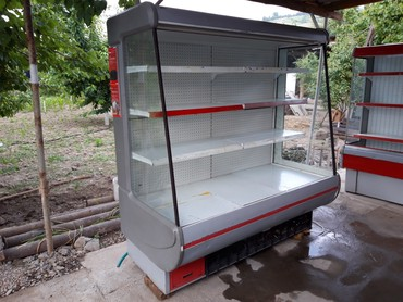 Оборудование для бизнеса в Джалал-Абад: Холодильник горка б/у 1,8м  состояние хорошее Россия