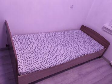 Односпальные кровати - Кыргызстан: Продам две кровати с матрасом как новые. Покупали в евромебели