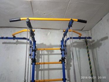 Продаю швецкую стенку с матом( 2*1метр) в идеальном состоянии в Лебединовка