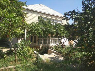 - Azərbaycan: 2 mertebeli Heyet evi
