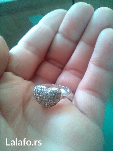 Srebrni prsten 925 u obliku srca,sa cirkonima,vel. 16 mm. Veoma - Cuprija