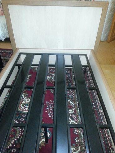 Bakı şəhərində Turkiye istehsali olan tek  adamliq carpayi satilir.demir mohkem