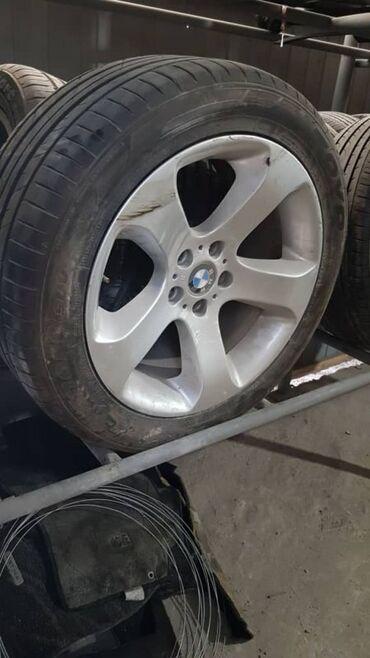диски на бмв x5 в Кыргызстан: Колесо 285/45/R19  BMW X5 E53      КОЛЕСА ШИНЫ ДИСКИ 19 БМВ