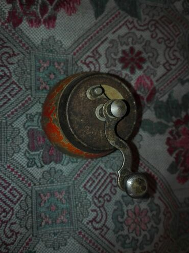 212 объявлений: Ручная старинная кофемолка СССР