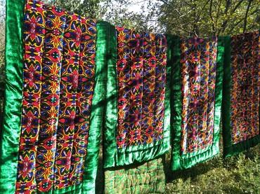 Красный 9шт зелёный 6шт с арнаментом 6шт в Бишкек