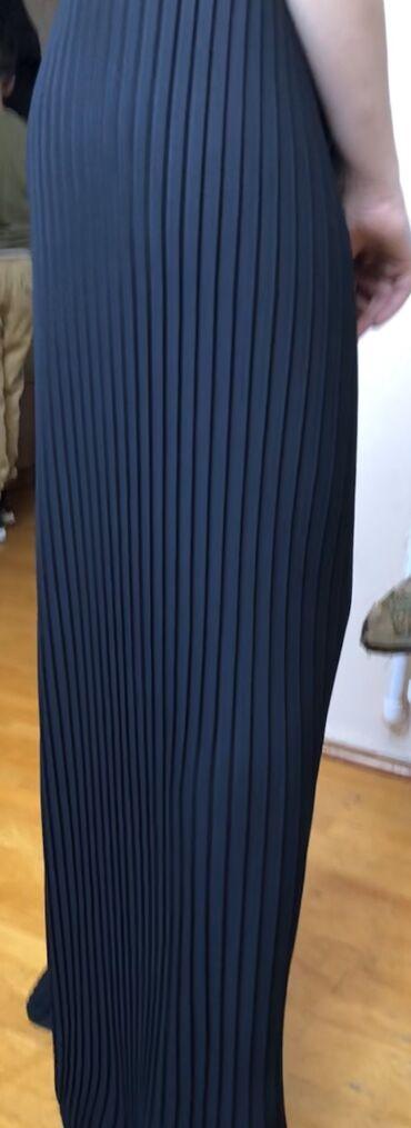 женские-черные-брюки в Азербайджан: 40 razmerdir hec geynilmeyib etiketi ustundedir 64 manata satilir