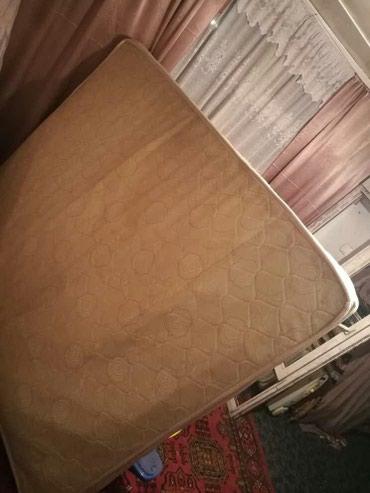 Продаю б/у матрасы 2 штуки. спальные. в Бишкек