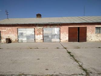 недвижимость в киргизии в Кыргызстан: Продаю коровник - Аламединский район - с.Прохладное. Все вопросы по