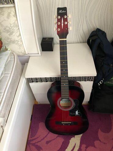 Гитары - Азербайджан: Orginal Madina markasınındir acustik gitara+üstündə orginal Yamaha