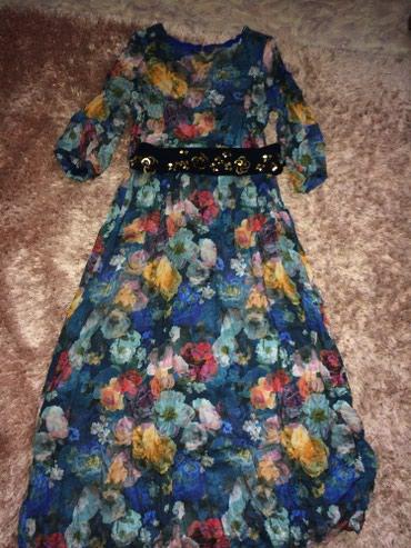 Продам платья. Платье цветочный принт в Бишкек