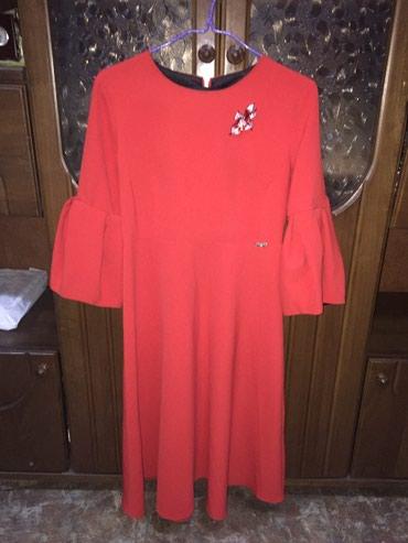 длинные вечерние платья с длинным рукавом в Кыргызстан: Платье красное, рукав фонарик 46 размер, на фигуре очень красиво смотр
