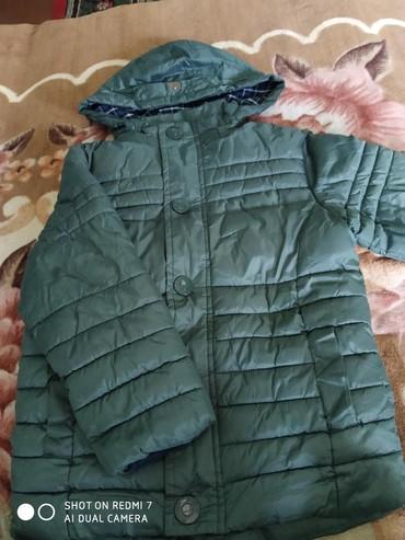 shapka-zara-dlja-devochki в Кыргызстан: Зимние вещи на мальчика куртка примерно на 6-8 лет, штаны примерно 4-6