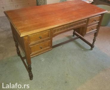 Hrastov radni sto, veoma dobro ocuvan. Dimenzija 130x64x77 cm. - Sremska Mitrovica