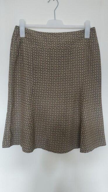 Ženska odeća   Nis: Suknja od viskoze bez ikakvih oštećenja. Veličina 40
