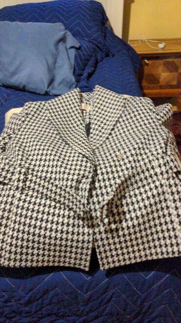 Новый пиджак весенний/осенний  Цена окончательная. Размер 42