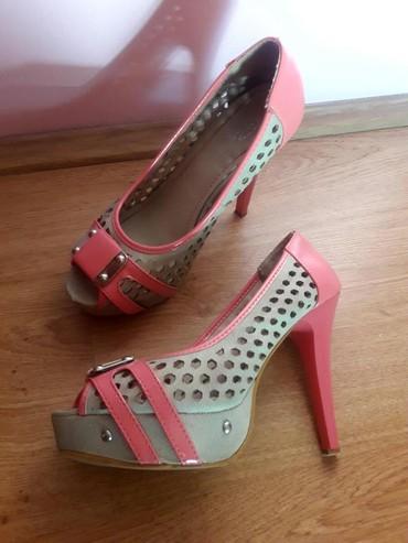 Ženske Sandale i Japanke - Sremska Mitrovica: Sandale na stiklu 38 lepo ocuvane