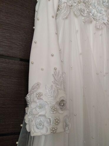 Свадебные платья и аксессуары - Кыргызстан: Продаю свадебное платье размер 42-44