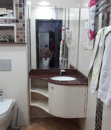 Xırdalan şəhərində Künc üçün moydadir hazirlanir pvc plastikle duş kabin ara bölme
