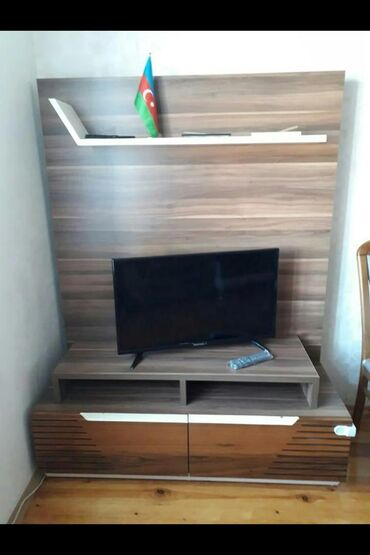 Tv stend.Eve uygun gelmediyi ücün satilir.110 man.Ünvan:Xalqlar D.RWD