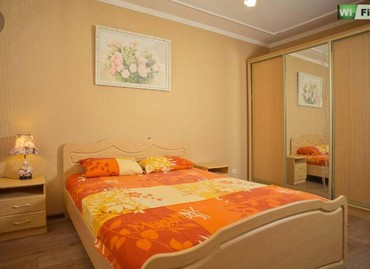 2 часа  1000  люкс  центр  1 ком квартира. ...ночь  1700 ... в Бишкек