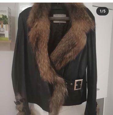 Kozna jakna sa krznom - Srbija: Kozna jakna DJORDJO, sa prirodnim krznom . Velicina 40. Jednom nosena