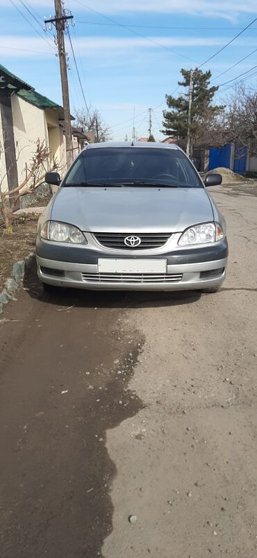 Toyota - Цвет: Серый - Бишкек: Toyota Avensis 1.8 л. 2001