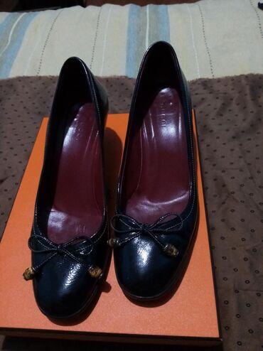 Gucci cipele Broj 37 Štikla 5cm Nošene par puta Bez oštećenja