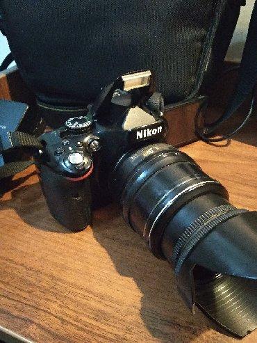 nikon d5100 в Кыргызстан: Зеркальный фотоаппарат Nikon D5100 Kit 18-55 IS в хорошем состоянии!В