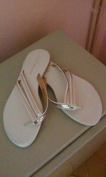 Prelepe sandalice-papuce,nove su,bele boje sa srebrnim ukrasima,broj - Vrnjacka Banja