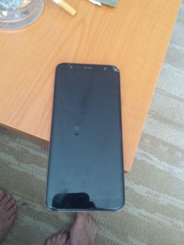Mobilni telefoni - Paracin: Samsung j4plus radi sve baterija ceo dan i vise drzii punjac cena