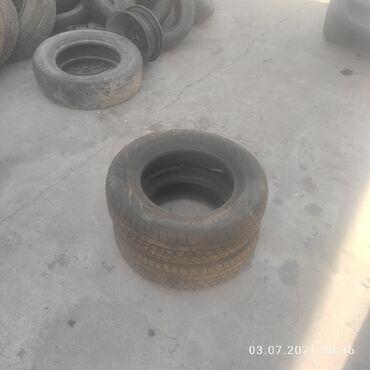 Транспорт - Таджикистан: Шины зимние R 2 шт. Цена 3000 сом почти новые продаю связи с тем что