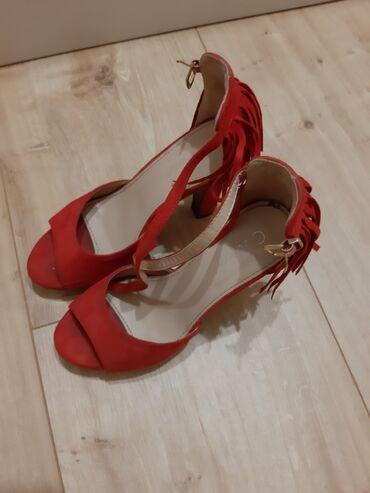 Ženska obuća | Stara Pazova: Crvene sandale 38