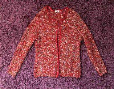 Prelep džemper u odličnom stanju, vrlo malo nošen. Pogledajte i - Beograd
