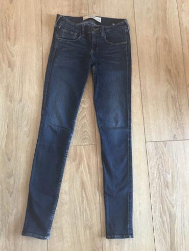Abercrombie pantalone velicina 00, ili po nasem 26 , pune su elastina. - Beograd