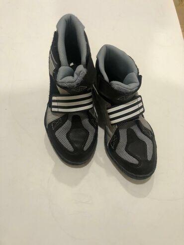 adidas porsche design в Кыргызстан: Adidas кросовки мальчиковские 35.5 размер