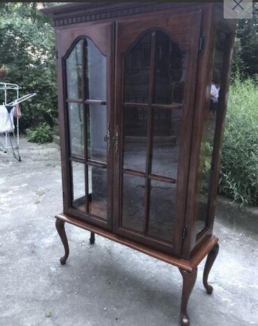 Vitlo - Srbija: Staklena vitrina (očuvana, puno drvo) Lepo očuvana stilska vitrina