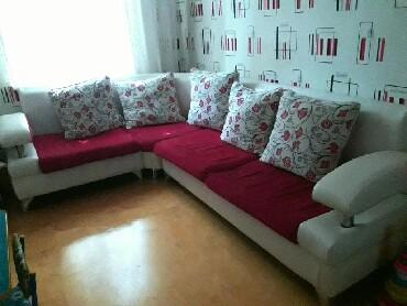 столик прикроватный в Азербайджан: Продам диван белая кожа, в комплекте с маленьким столиком!
