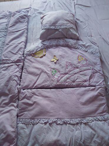 Bebi posteljina - Srbija: Prodajem dve korišćene posteljine za dečiji krevetac. U dobrom, očuvan