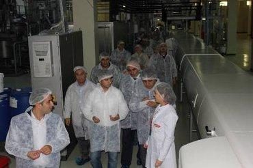 Bakı şəhərində Ayaqqabı fabrikinə aşağıdakı işçilər tələb olunur: