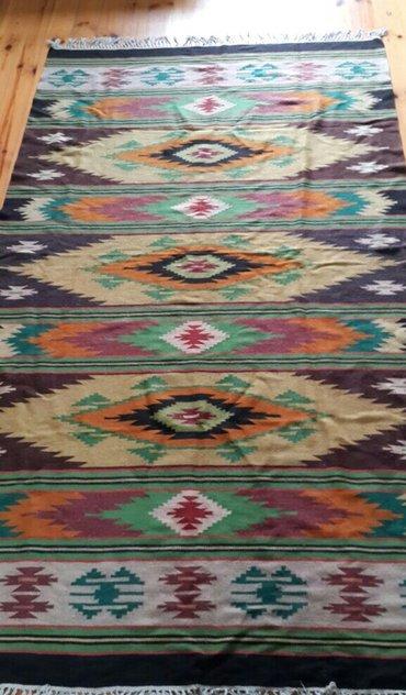 Bakı şəhərində Продается гуцульский килим. Висел на стене, затем был постиран. Без