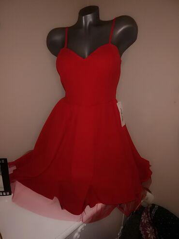 1195 oglasa: S A V R Š E N A,,,, Potpuno nova haljina izuzetno kvalitetna. Sa