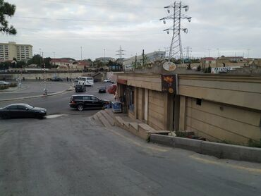 telefon ekranlari - Azərbaycan: Bakixanov qesebesi, Kamsamolski dairesinde Akkord binalarla yaxin