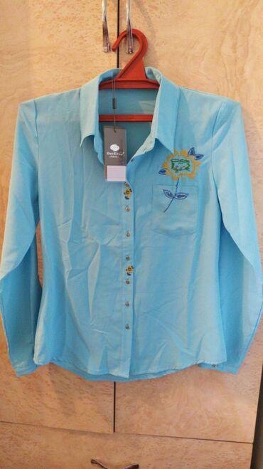 Женская одежда в Кызыл-Кия: Кызылкия, новая рубашка 42-44 размер, цена 600 сом