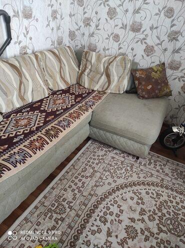 yığma divan - Azərbaycan: Kunc divanidi acilir hemde alti bazalidir icine ewya yigmaq olur